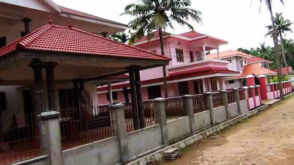 ever 1. Villa for sale in agated compound at Kumbanad   Live in Kerala